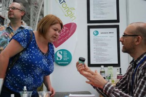 Sarah (of the Sugarpuffish blog) and Alex examining some labelling!